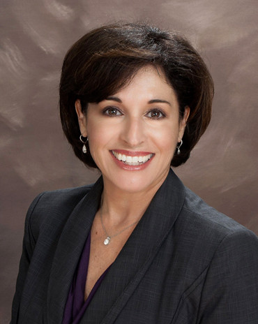 shelley weisman real estate head shot